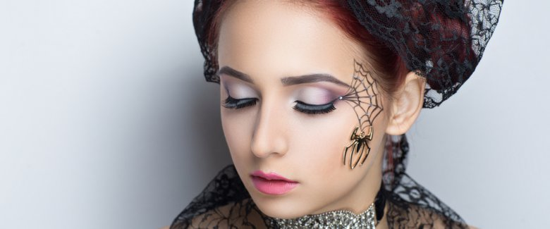 /pictures/2016/10/13/trucco-halloween-come-fare-la-ragnatela-3024489327[1000]x[417]780x325.jpeg